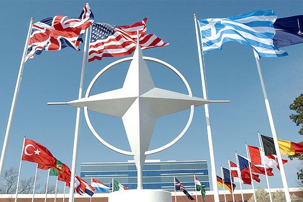 <!--:uk-->Почему США и НАТО помогают Украине по-разному<!--:--><!--:ru-->Почему США и НАТО помогают Украине по-разному<!--:-->