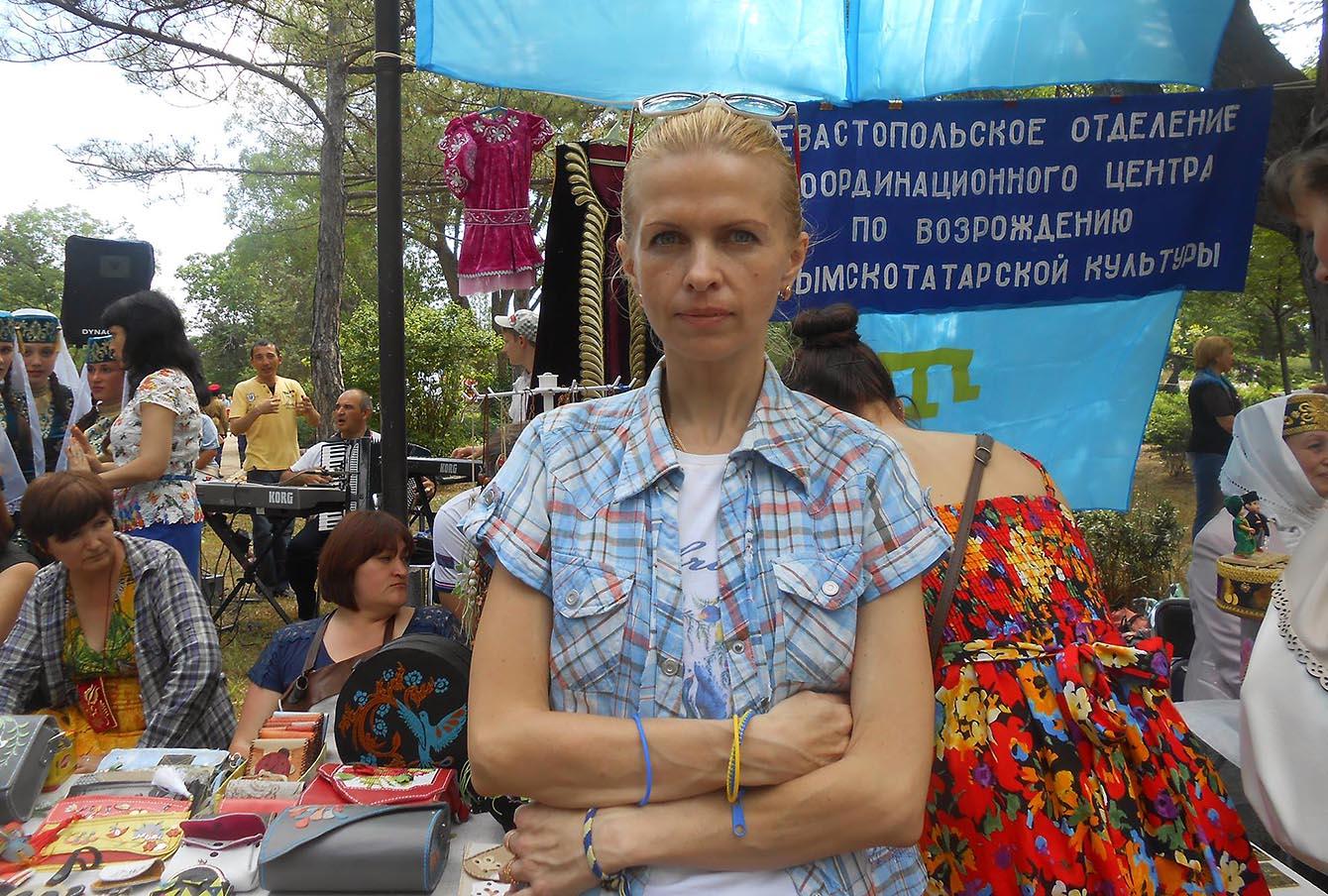 <!--:uk-->«Экстремистка» из Севастополя: «Они сказали, что не выпустят меня, пока я не напишу явку с повинной»<!--:--><!--:ru-->«Экстремистка» из Севастополя: «Они сказали, что не выпустят меня, пока я не напишу явку с повинной»<!--:-->